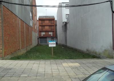 Solar para edificio que da a dos calles, en Venta en Melide