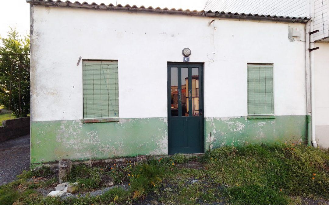 C371 – Casa de planta baja en Melide.