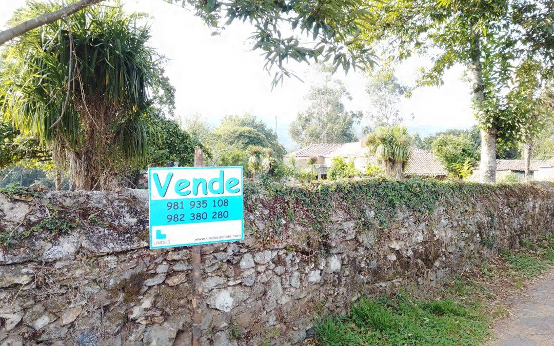 C380 – Casa de piedra en Toques. (Casa de Eirexe, al lado de la Iglesia)